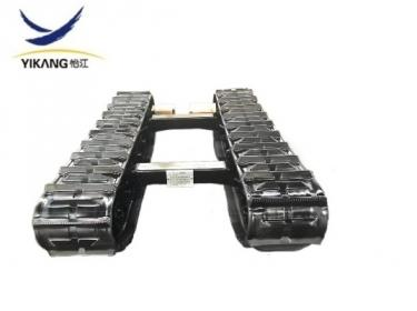 Garden harvester rubber track undercarriage