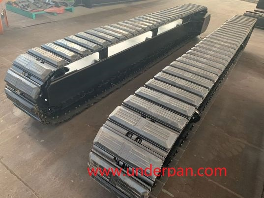 Mobile crushing station steel track undercarriage
